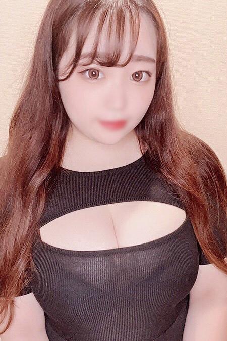 サリナの容姿や雰囲気を確認できる画像